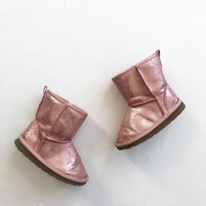 Babygap shinny faux Sherpa lined boots VGUC size 9